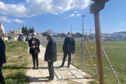 Παρακολουθεί από κοντά τα έργα υποδομής στο Ληλάντιο η Ελενα Βάκα- Επισκέφθηκε και το γήπεδο ποδοσφαίρου Βασιλικού και το Κλειστό Γυμναστήριο