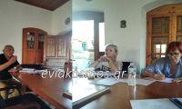 ΑΠΟΚΛΕΙΣΤΙΚΟ- Τώρα στο αστυνομικό τμήμα η Κλαίρη Κατσαρή με τον Νίκο Ανδρέου- Διαπληκτίστηκαν πριν ακόμα ξεκινήσει το συμβούλιο
