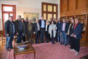 Ο υποψήφιος Ευρωβουλευτής του ΚΙΝΑΛ Νίκος Παπανδρέου στο Δημαρχείο της Χαλκίδας