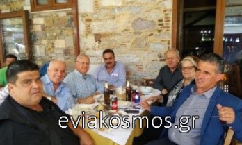 Ως «αλεπού» ...στο παζάρι στο Αυλωνάρι σήμερα ο Κώστας Μαρκόπουλος