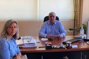 Συνάντηση του Σίμου Κεδίκογλου με την πρόεδρο του Συλλόγου Γονέων και Κηδεμόνων του 1ου Γυμνασίου Χαλκίδας